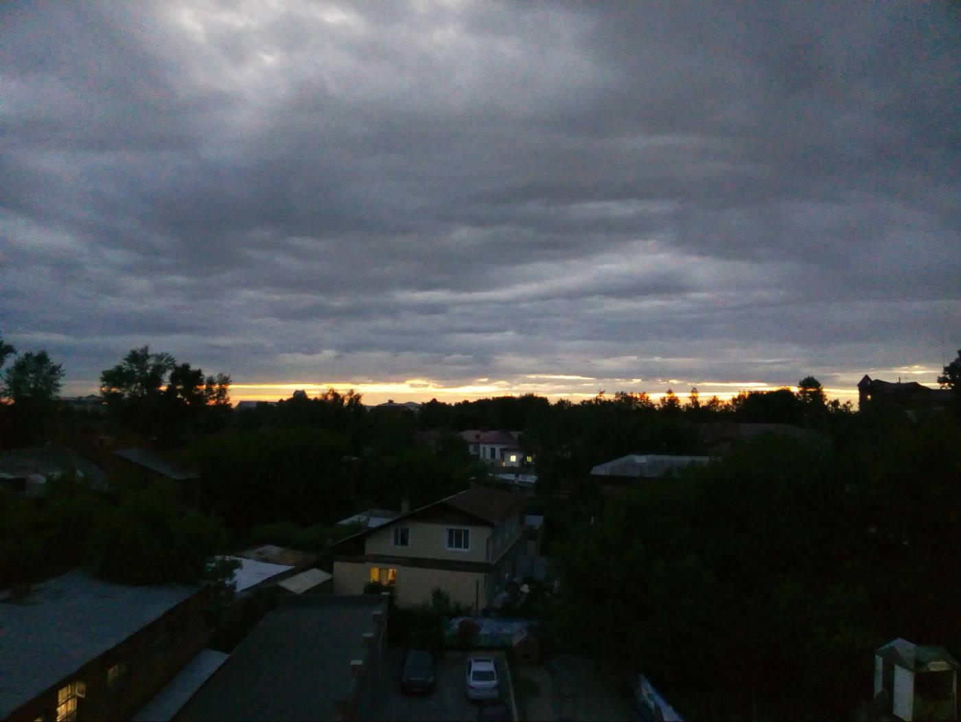 Уличная съёмка на закате