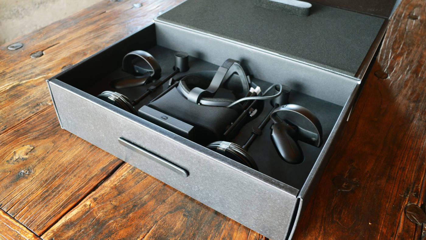 Standard set of Oculus Rift
